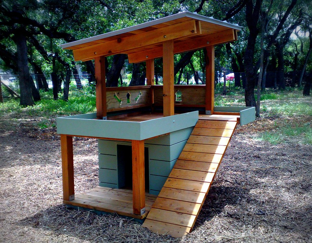 Dog house - best dog parks in San Antonio