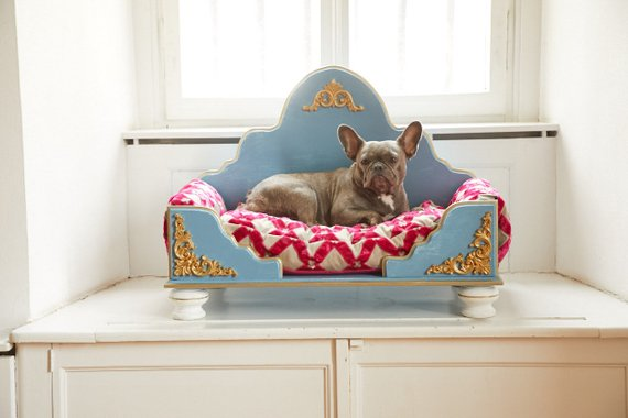 Luxury dog bed from Etsy user Duchessheart.