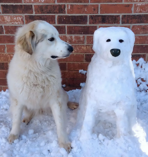 interloper-dog-snowman
