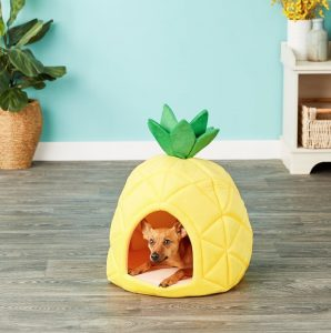 YML pineapple-shaped sleeping hut