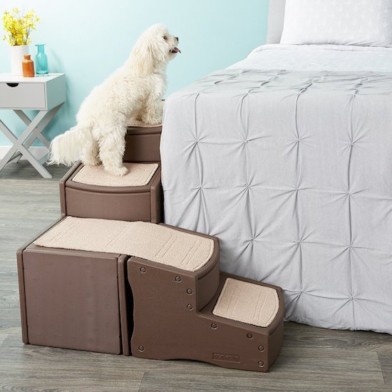 Pet Gear wrapping stairs