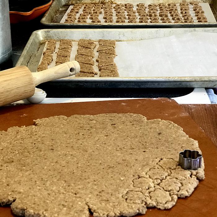 peanut butter baon bites dog biscuits