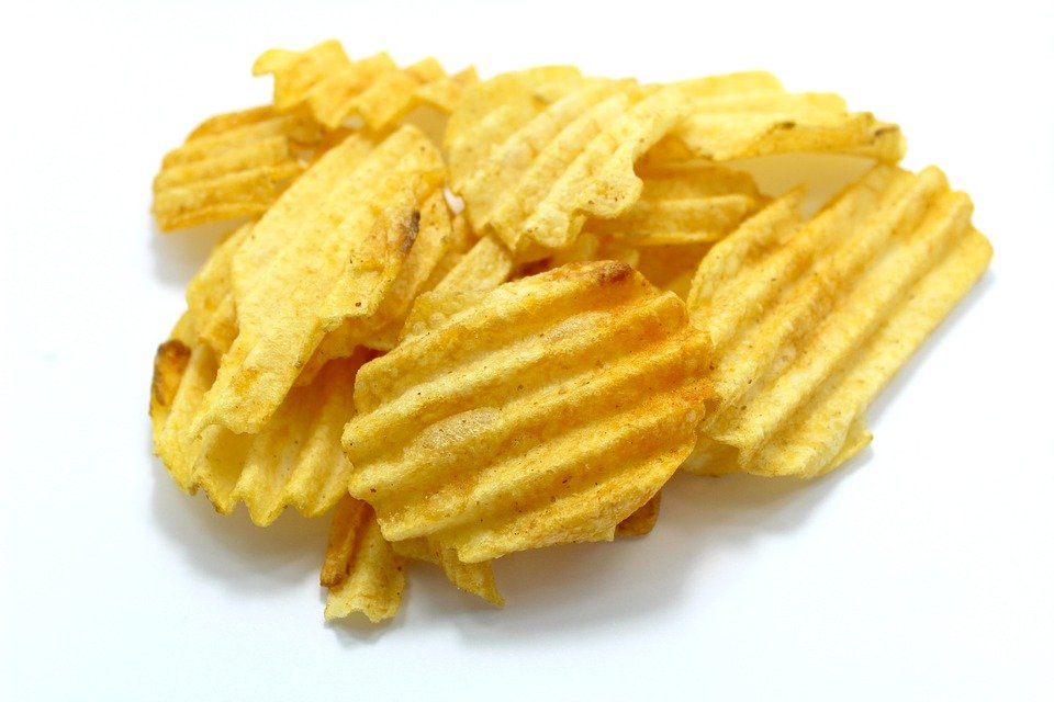 Waffle cut potato chips. Can your dog eat chips?