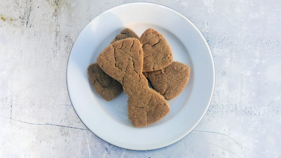 peanut butter shortbread for dogs HERO