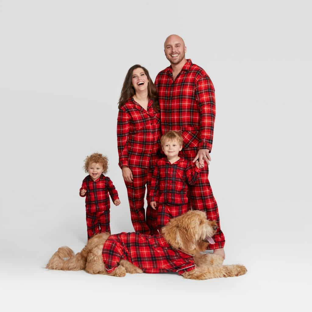 Christmas Pajamas For Dog.8 Human And Dog Matching Christmas Pajamas You Ll Need After