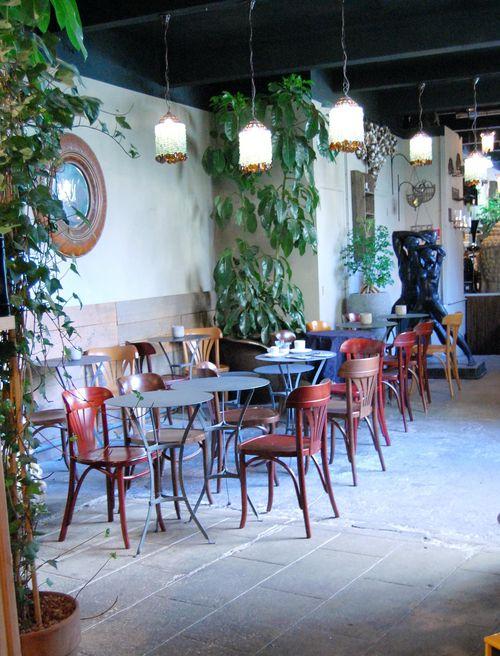 Holland Park Cafe dog-friendly coffe London