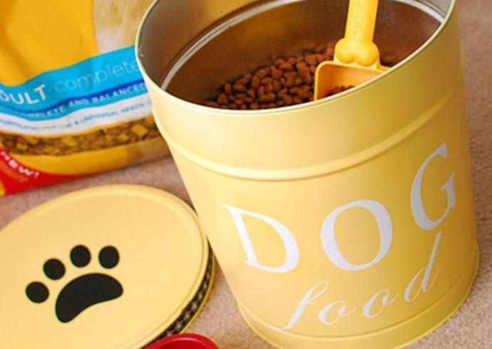 manualidades creativas para perros - conserva el pienso en una linda lata y olvidate de las bolsas