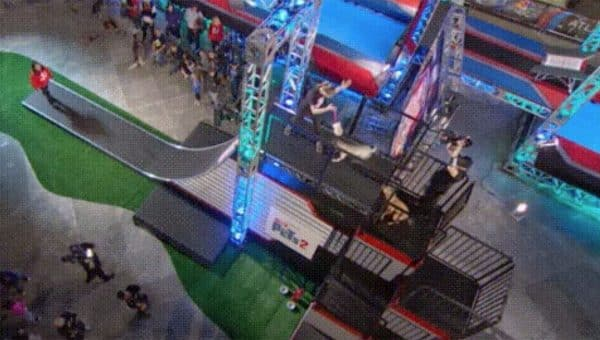 Clever Dog Takes the Easy Way out of Obstacle Course and the Crowd Goes Wild [Video]