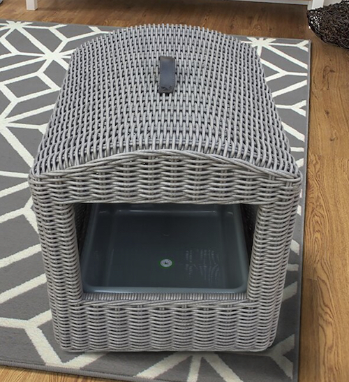Spiva wicker enclosure