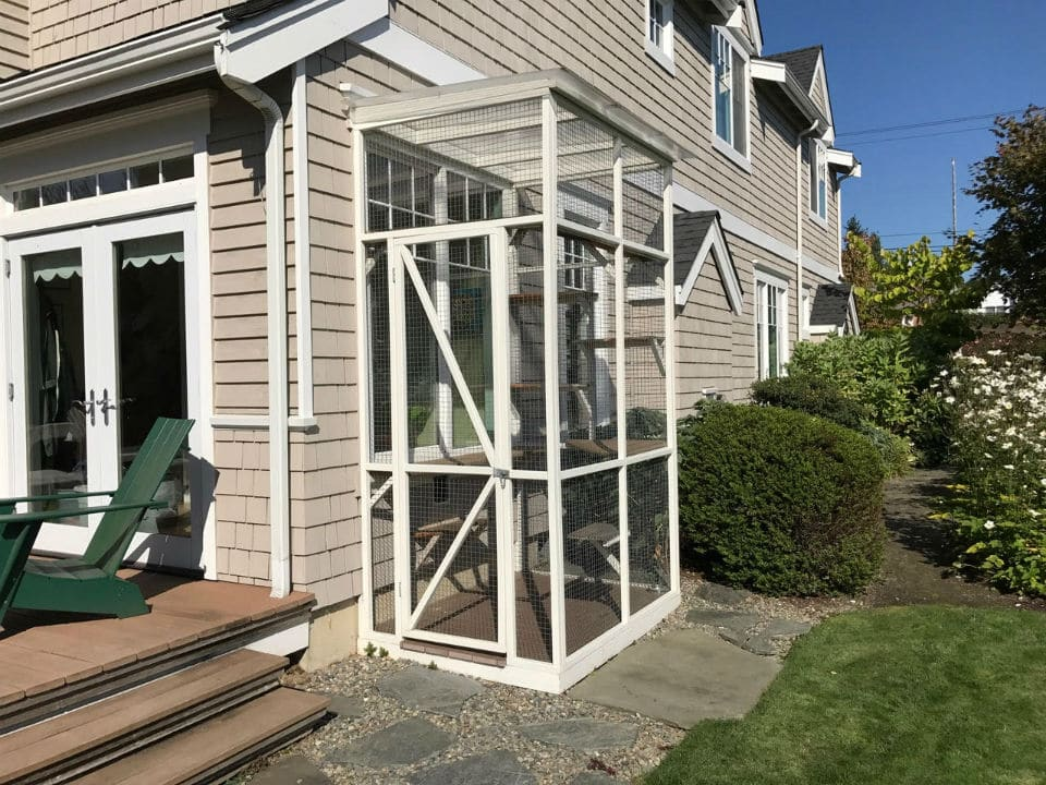 vertical catio attached to house