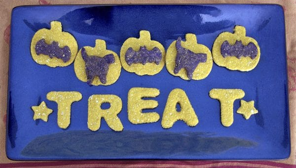 How to Make Spooky Halloween Pumpkin Cookies for Dogs