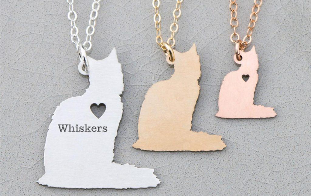 customizable pendant in shape of Ragdoll cat