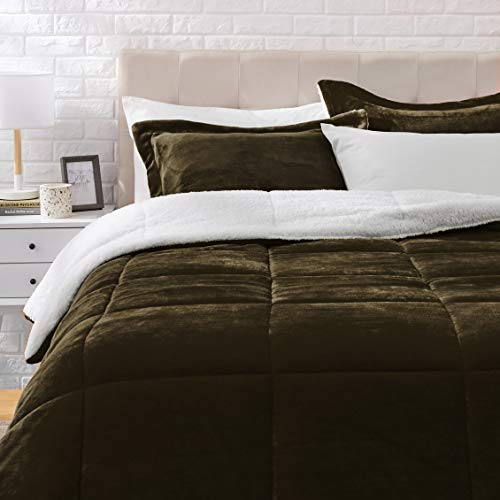 Amazon Basics Ultra-Soft Micromink Sherpa Comforter Bed Set