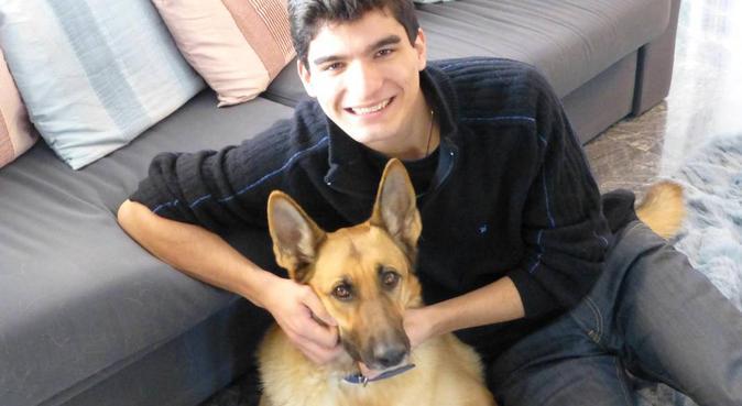 A Vet Student eager to make new 4-legged friends, dog sitter à London