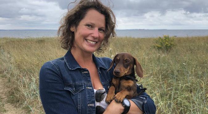 Hundvan familj som saknar hundsällskap, hundvakt nära Karlskrona, Sverige