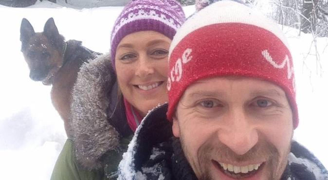 Dyrekjært par uten barn som elsker friluftsliv, hundepassere i Kløfta