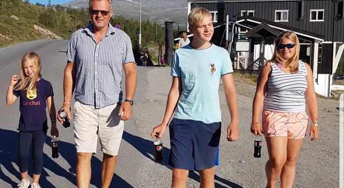 Lek, triks & tur🐕, hundepassere i Nedenes, Norge