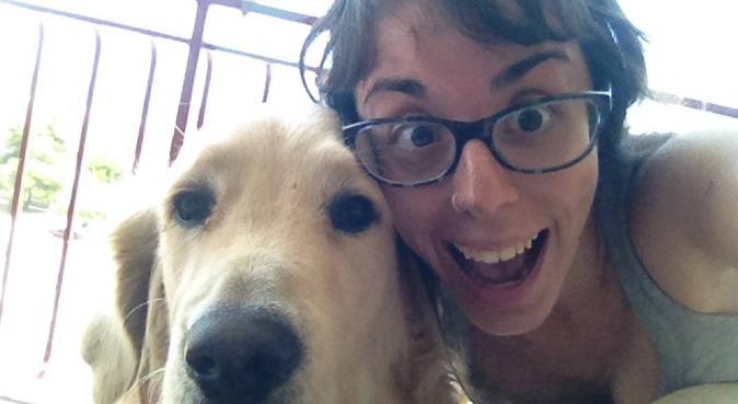 Paseadora feliz, canguro en Benicasim