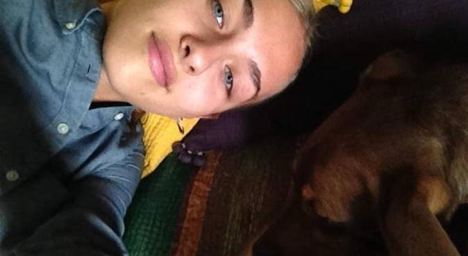 Lunghe passeggiate con un amante dei cani, dog sitter a Napoli