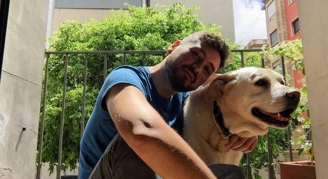 La vida es mejor con un perro alrededor!, canguro en Barcelona
