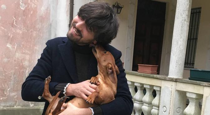 Tante coccole e passeggiate, massima affidabilità, dog sitter a Pisa