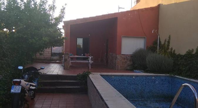 Casa rural deleite perruno, canguro en Mirandilla