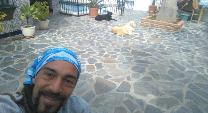 Aquí,cómo en casa,siempre feliz!!, hundvakt nära Alhaurin de la Torre
