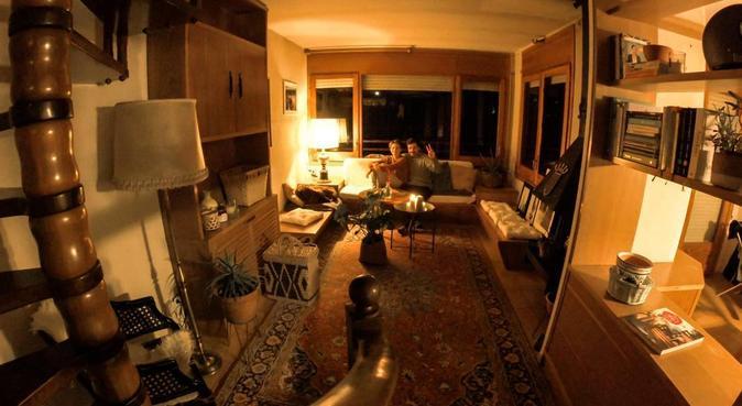Mi casa es tu casa, canguro en Corbera de Llobregat, Spanien