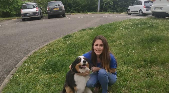Adorable et gentil couple pour garder votre chien, dog sitter à Fontaines-sur-Saône, France