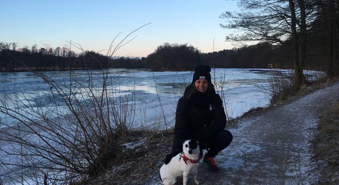 Kärleksfull och aktiv hundpassare i Halmstad, hundvakt nära Halmstad