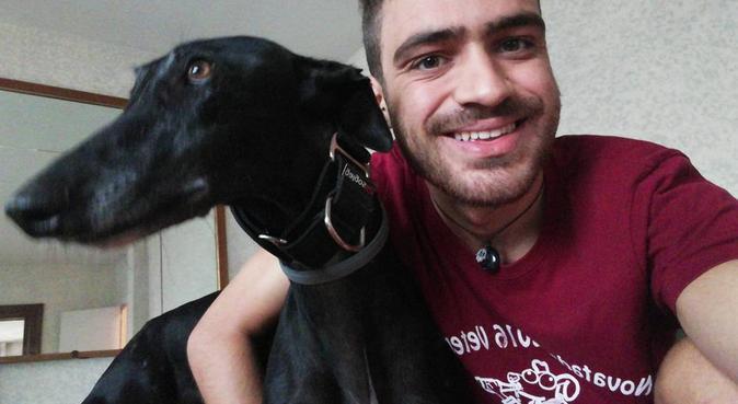 Estudiante de veterinaria amante de los perros, canguro en Murcia