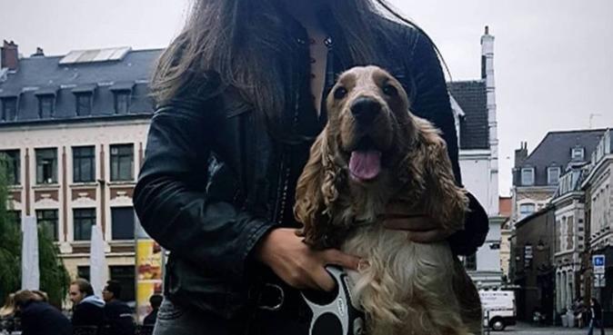 Promeneuse de chien énergique et à l'écoute, dog sitter à Lille
