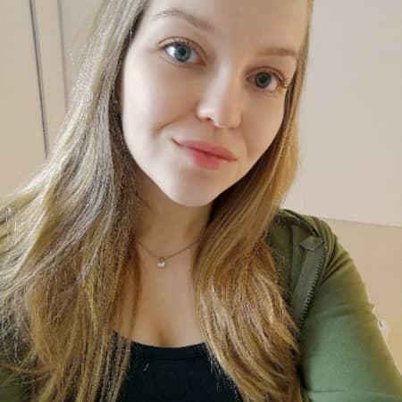 Aline M.