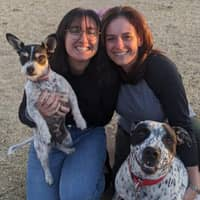 pet sitter Gabriela & Maidely