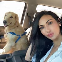 dog walker Roxana