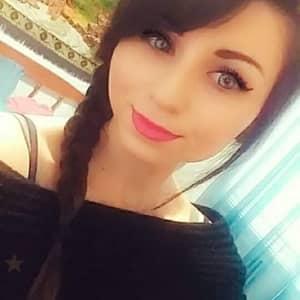 Nikki F.