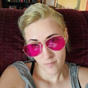 Gwen F.