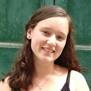 Izabella L.