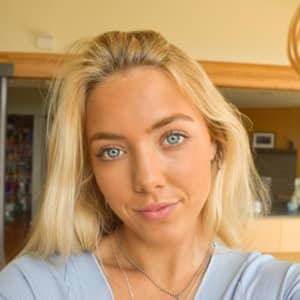 Zoe W.