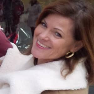 Donna E W.