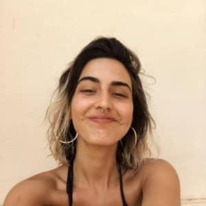 Claudia F.