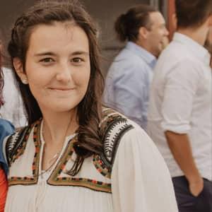 Yasmina C.