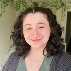 Isabelle J.