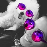 dog walker Raquel