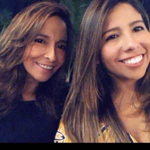 Paula & Juana L.
