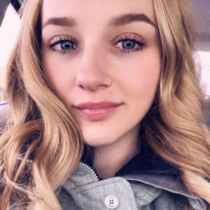 Chloe V.