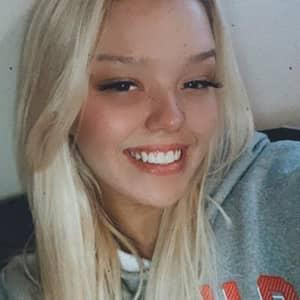 Chloe T.