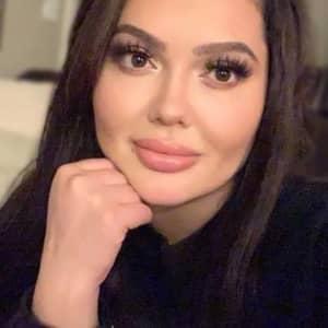 Alexa G.