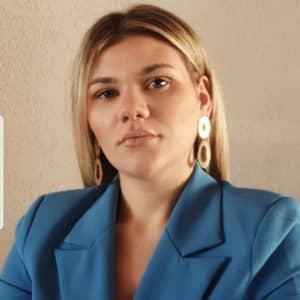 Simona V.