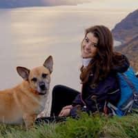 dog walker Mariel